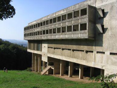 Characteristics of Le Corbusier's Domino System