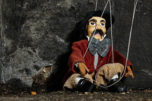 Characteristics of Puppet Theater